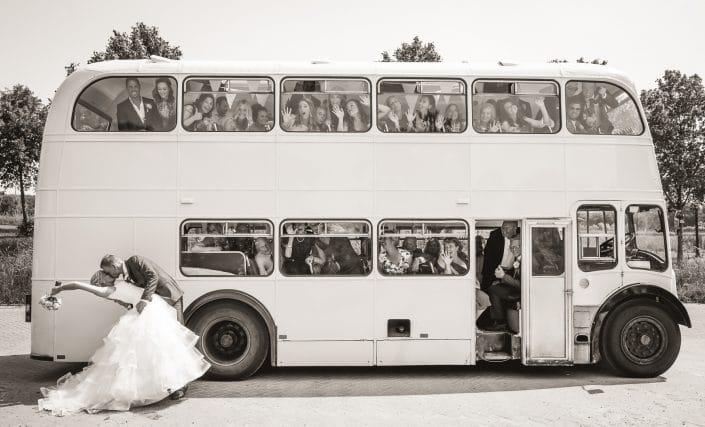 beste trouw fotograaf Rotterdam Tom Tomeij, bruidrapportage, Leonie & Jamie 2 juni 2017, Tom Tomeij Fotografie, Tom Tomeij fotografie Rotterdam, tomtomeij.nl, Trouwerij, trouwfotograaf, De Brasserij Delft trouwen, Rijswijkse Bos Trouwfoto's