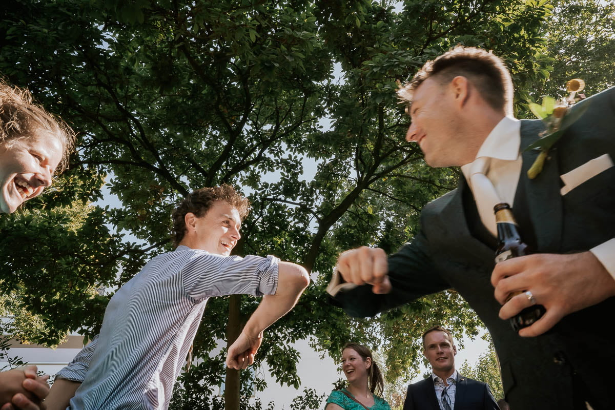 Corona bruiloft trouwfotograaf